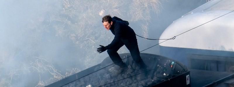 Том Круз выполняет опасный трюк на кадре «Миссии невыполнима 7»