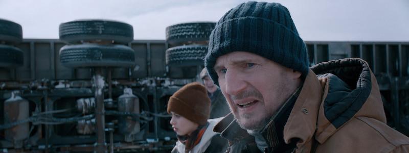 Лиам Нисон в первом трейлере экшена «Ледяной драйв» на русском