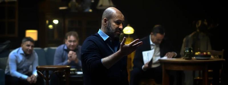 Экранизация спектакля «Разговорник» от режиссера «Физрука» выйдет 20 ноября