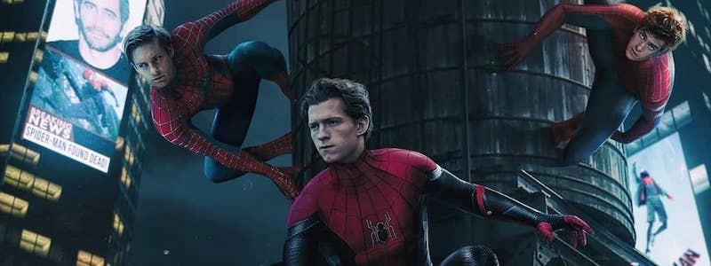 Все три Человека-паука на этом постере фильма «Через вселенные»