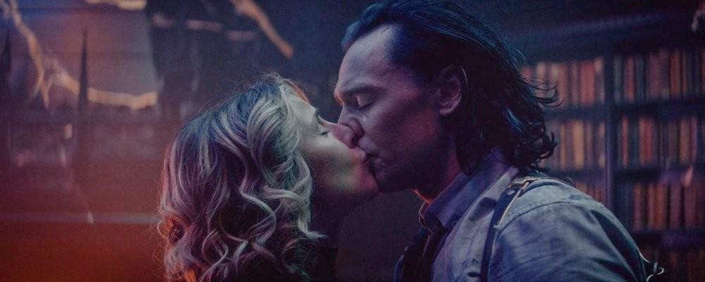Софи Ди Мартино объяснила спорный поцелуй Локи и Сильвии