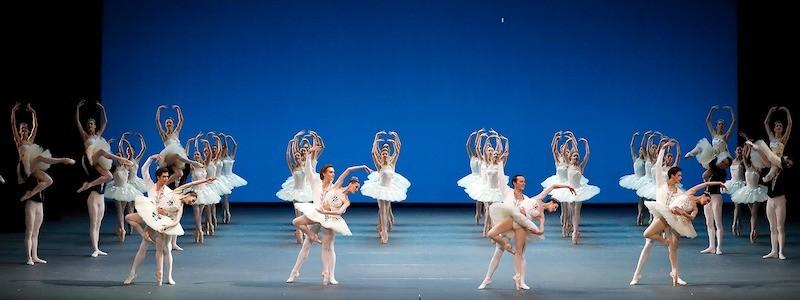 Премьерные балеты «Симфония до мажор» и «Парижское веселье» в Большом Театре России. Виртуозность и озорство