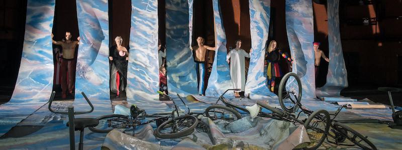Страшный ураган на сцене театра Романа Виктюка. Премьера спектакля «Мелкий бес»