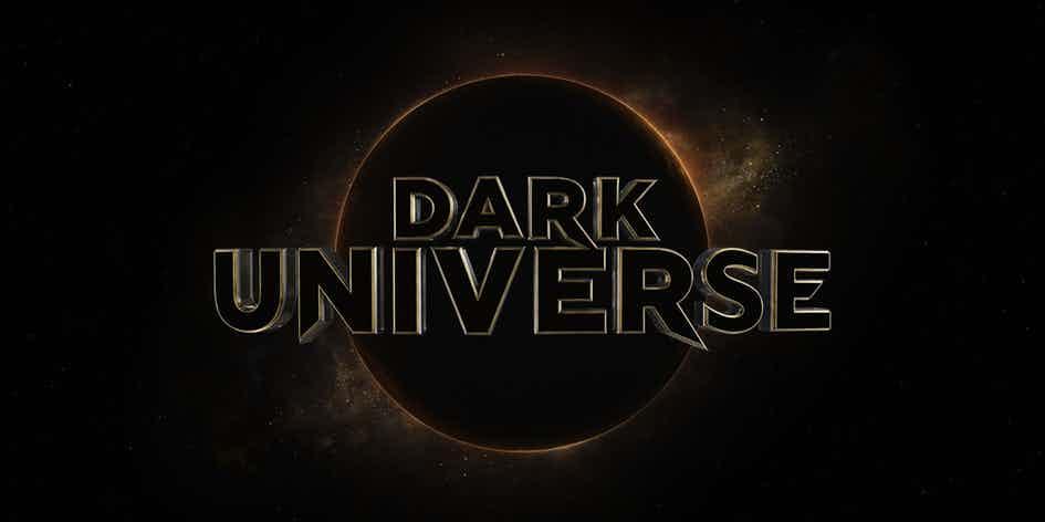 Warner Bros. крайне не устроило название киновселенной монстров Universal Pictures