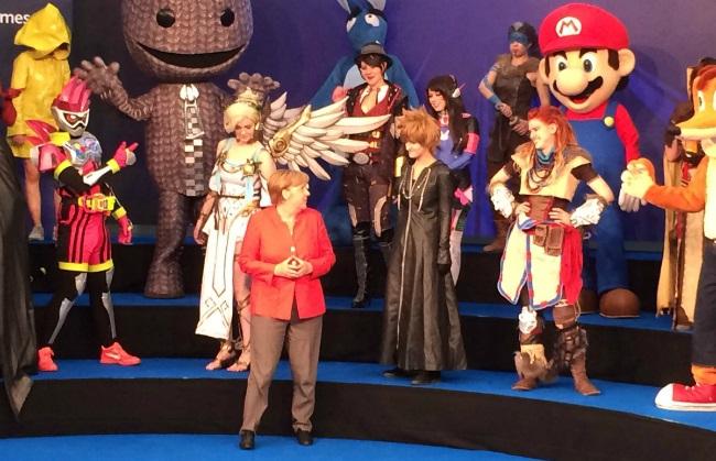 Ангела Меркель посетила игровую выставку Gamescom 2017