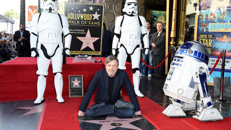 НаАллее славы Голливуда возникла звезда артиста из«Звездных войн»