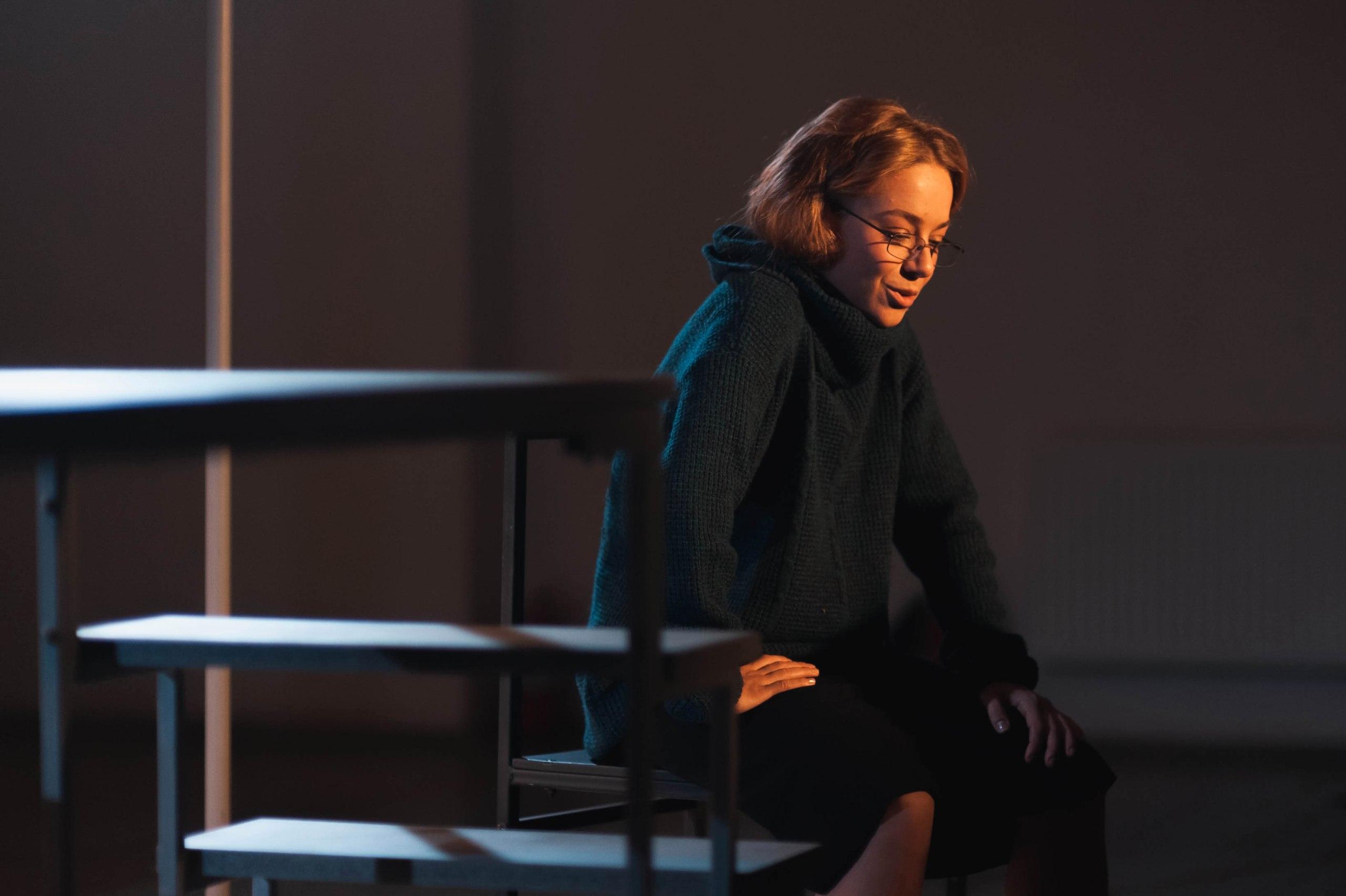 Рецензия на спектакль «Любовь. Подслушано». Одно зеркало шести женщин