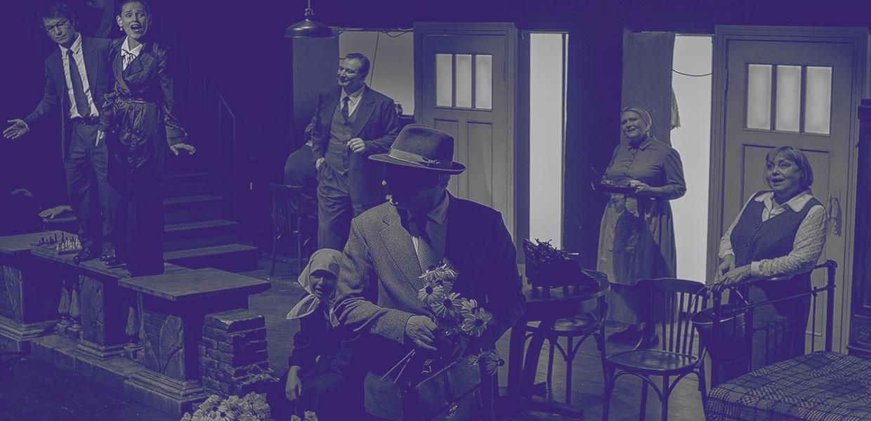 Рецензия на спектакль «Старый дом». Дом вверх дном