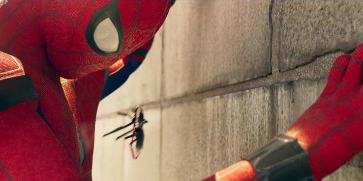 Почему Человек-паук из «Через вселенные» лучше Паука из киновселенной Marvel