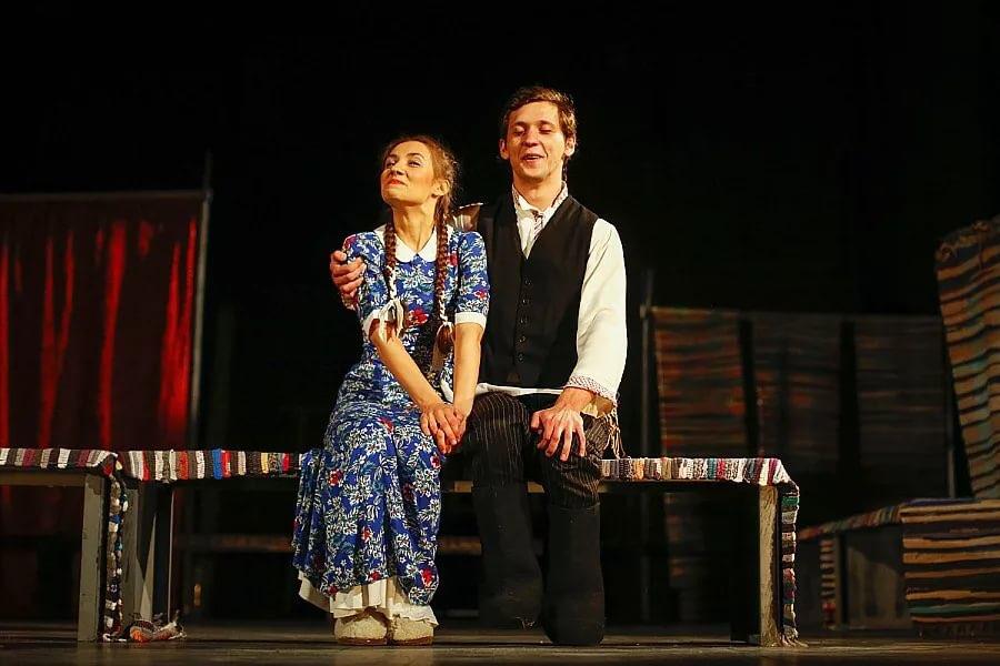 Рецензия на спектакль «Бедность не порок», театр Вахтангова. Сказка со счастливым концом