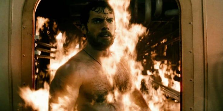 Аквамен спас Супермена в «Человеке из стали». Реальное значение