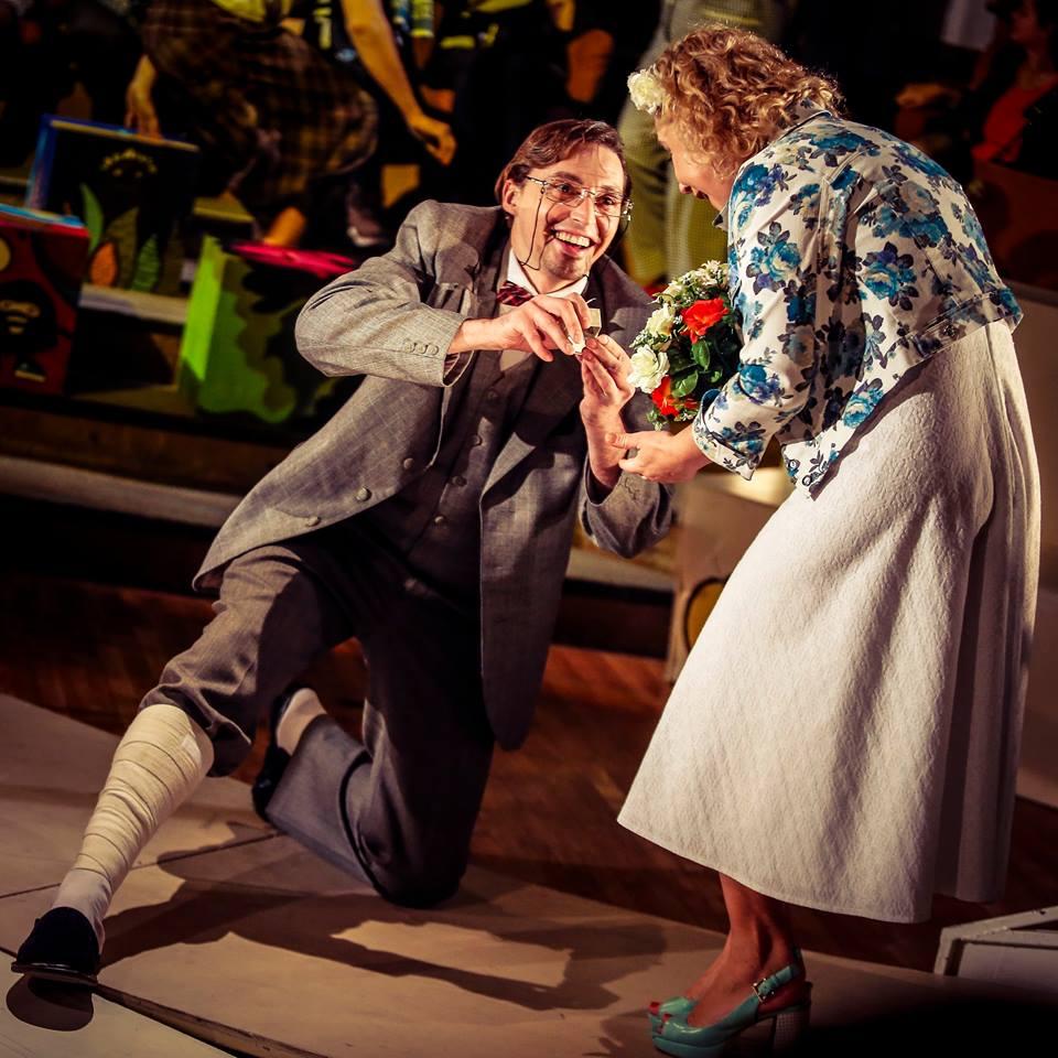 Рецензия на спектакль «Чудаки и зануды», театр «Сфера». Давайте будем чудаками