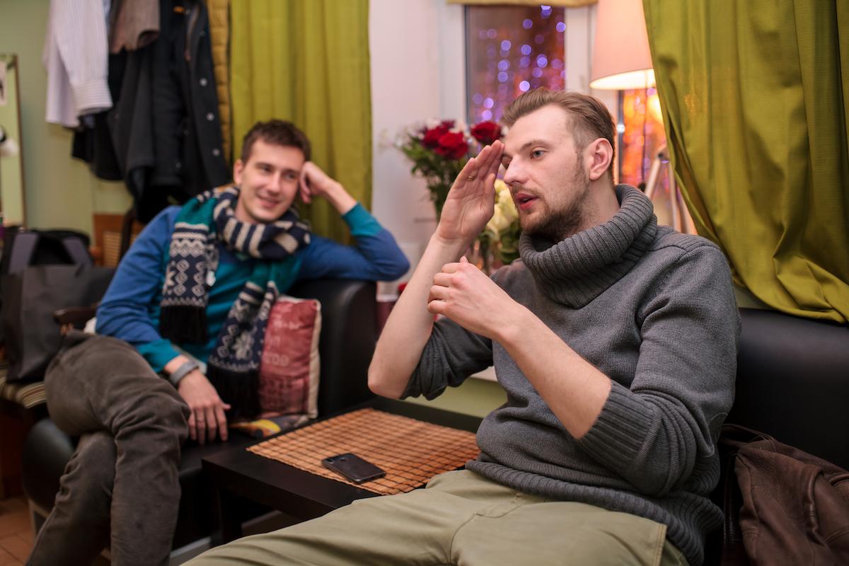 Максим Керин и Виктор Панченко рассказывают о спектакле «Черная курица» в РАМТ
