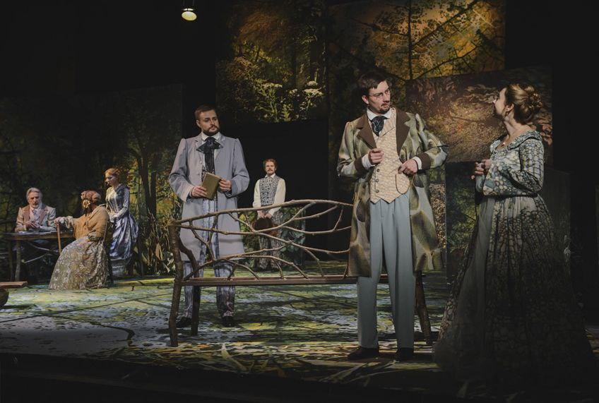 Рецензия на спектакль «Месяц в деревне», Новый драматический театр. Любовь как непосильный груз