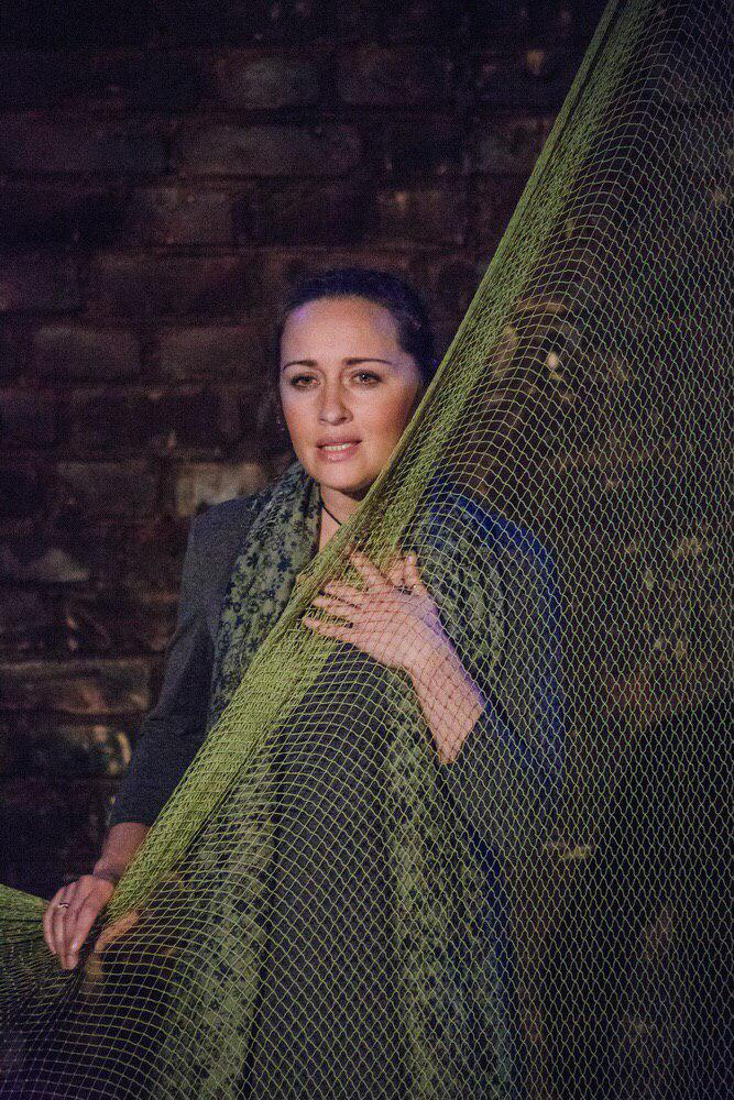 Рецензия на спектакль-концерт «А я была его женой…», Антреприза Людмилы Никитиной. Какая ваша Ахматова?