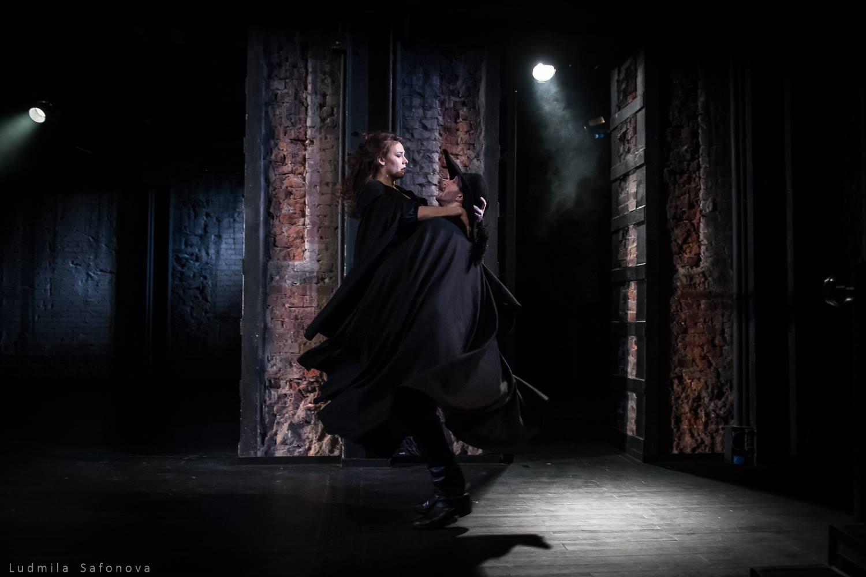 Рецензия на спектакль «Комедия о вдове», театр им. Е.Вахтангова. Магия девяти