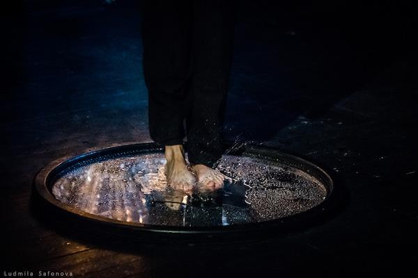Рецензия на спектакль «Нижинский. Гениальный идиот», театр им.Е.Вахтангова. Танец зазеркалья