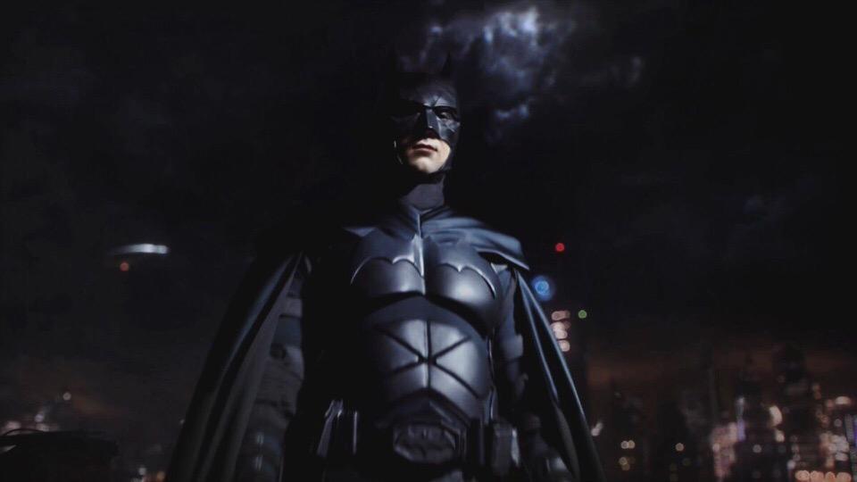 Как выглядит Бэтмен из финала «Готэма»