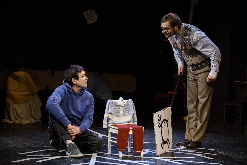 Рецензия на спектакль «Мой дедушка был вишней», Большой Театр Кукол. Картон, скотч и талант