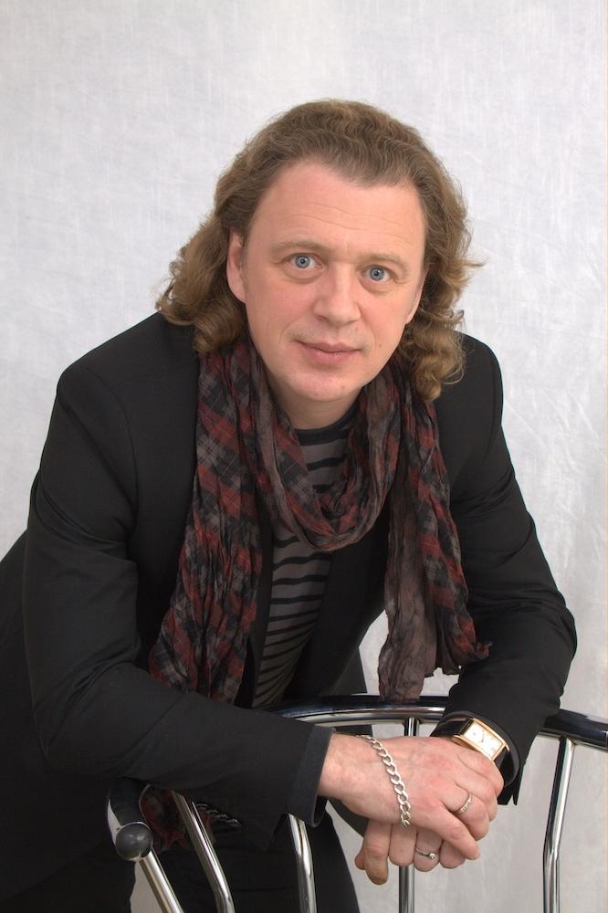 Актёр и театральный режиссёр Олег Леушин: «Пока мы едины, мы непобедимы.»