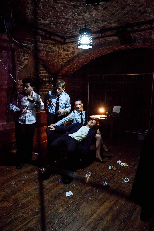 Рецензия на спектакль «Человек из Подольска», КЦ «Хитровка». Личность человека бесконечно шире его паспорта