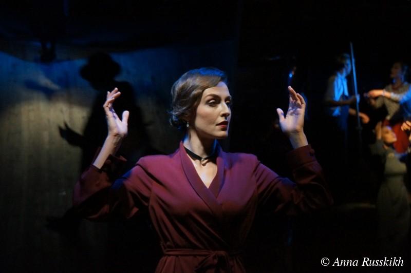 Рецензия на спектакль «Зойкина квартира», Театр на Юго-Западе. «Умрем весело, поиграем в декаданс»