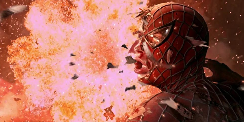 10 сцен с рейтингом R, вырезанных из фильмов по комиксам