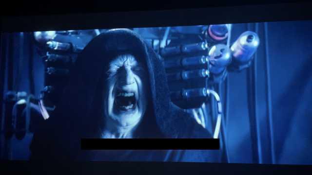 Объяснено, как вернулся Император в  «Звездных войнах 9»