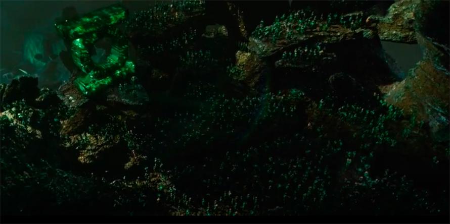 Отсылка на Зеленого Фонаря Рейнольдса в «Кризисе на Бесконечных Землях»