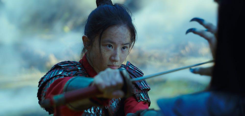 Почему фильм «Мулан» лучше показать сразу онлайн