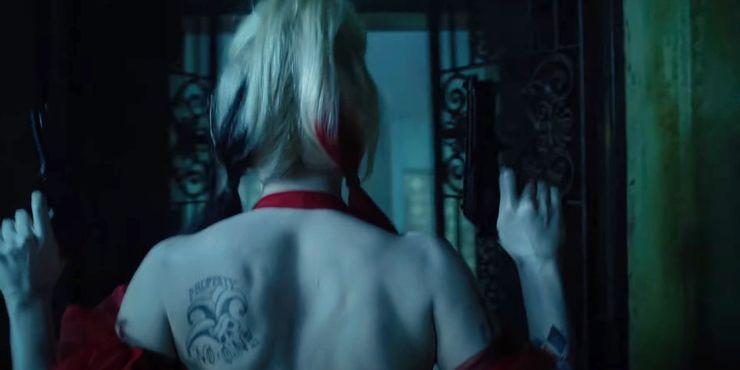 Что значит новая татуировка Харли Квинн из «Отряда самоубийц: Миссия навылет»
