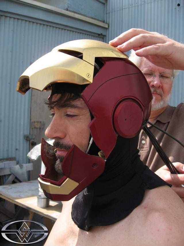 Фото: Роберт Дауни-младший впервые костюм Железного человека