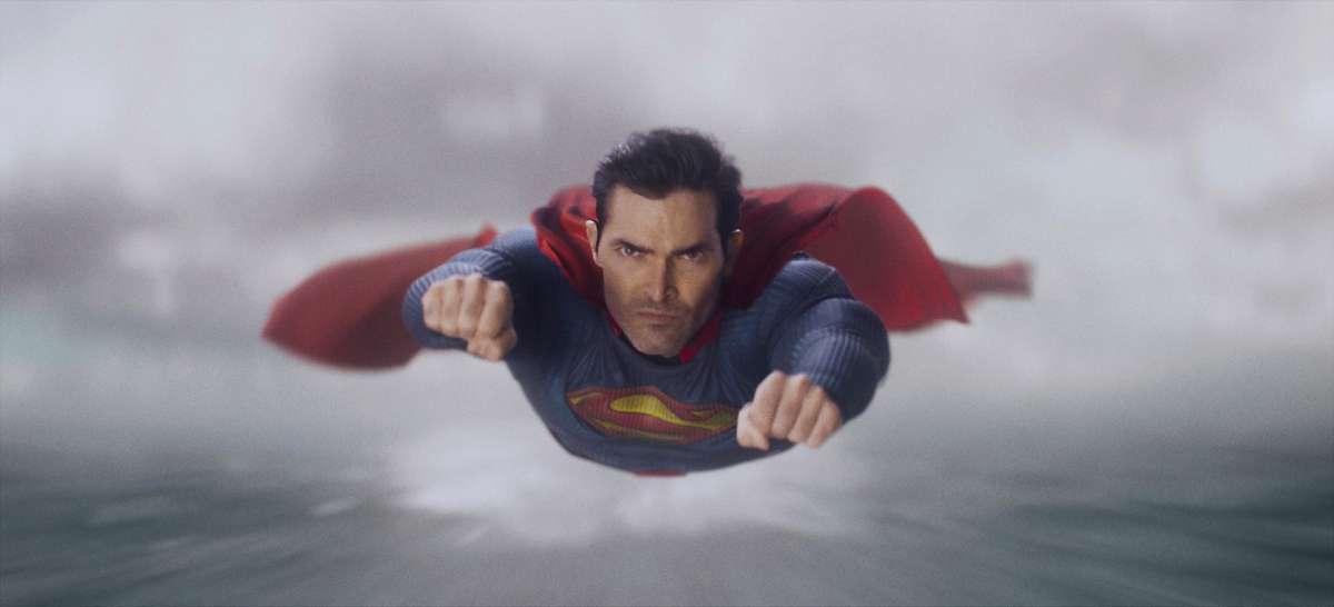 Arrowverse не умирает: The CW продлили сериалы DC