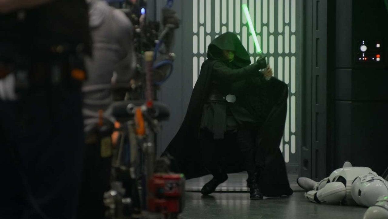 Дублер Марка Хэмилла на кадре финала 2 сезона «Звездных войн: Мандалорец»