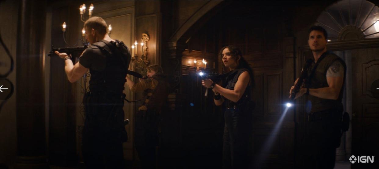 Зомби на первых кадрах фильма «Обитель зла: Добро пожаловать в Ракун-Сити»
