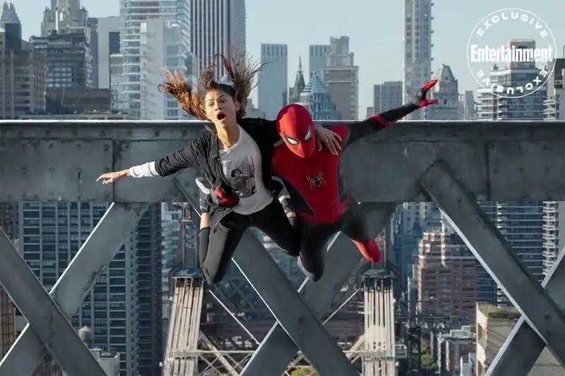 Доктор Стрэндж и ЭмДжей на новых кадрах «Человека-паука: Нет пути домой»